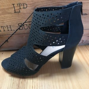 NWOB XOXO Black Cut Out Booties Size 9.5